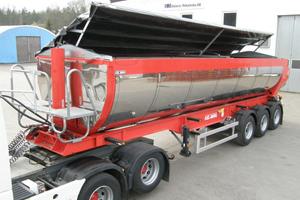 Fliptop, en lastbils- och containerpåbyggnad som Mönsterås Mekaniska marknadsför på mässor i Europa.